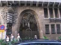 The rather austere exterior to Gaudi's Palais Guell - alas, the queues were too long so I didn't visit the inside.