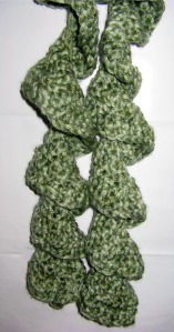 crochet twirly scarf s
